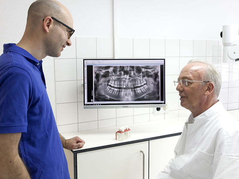 Beratung in der Zahnarztpraxis im Hiddenhausen